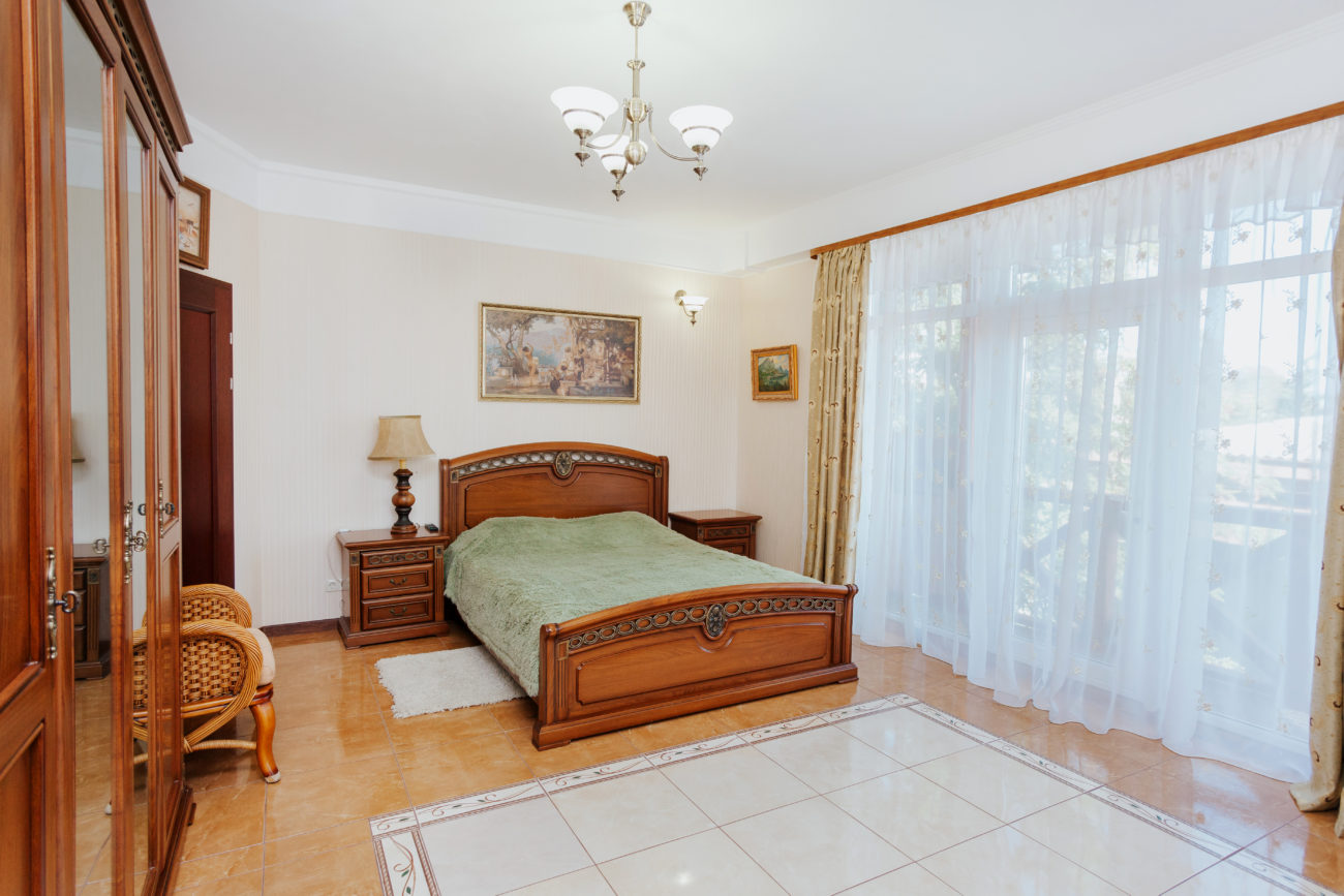 Ялта, апартаменты люкс с одной спальней