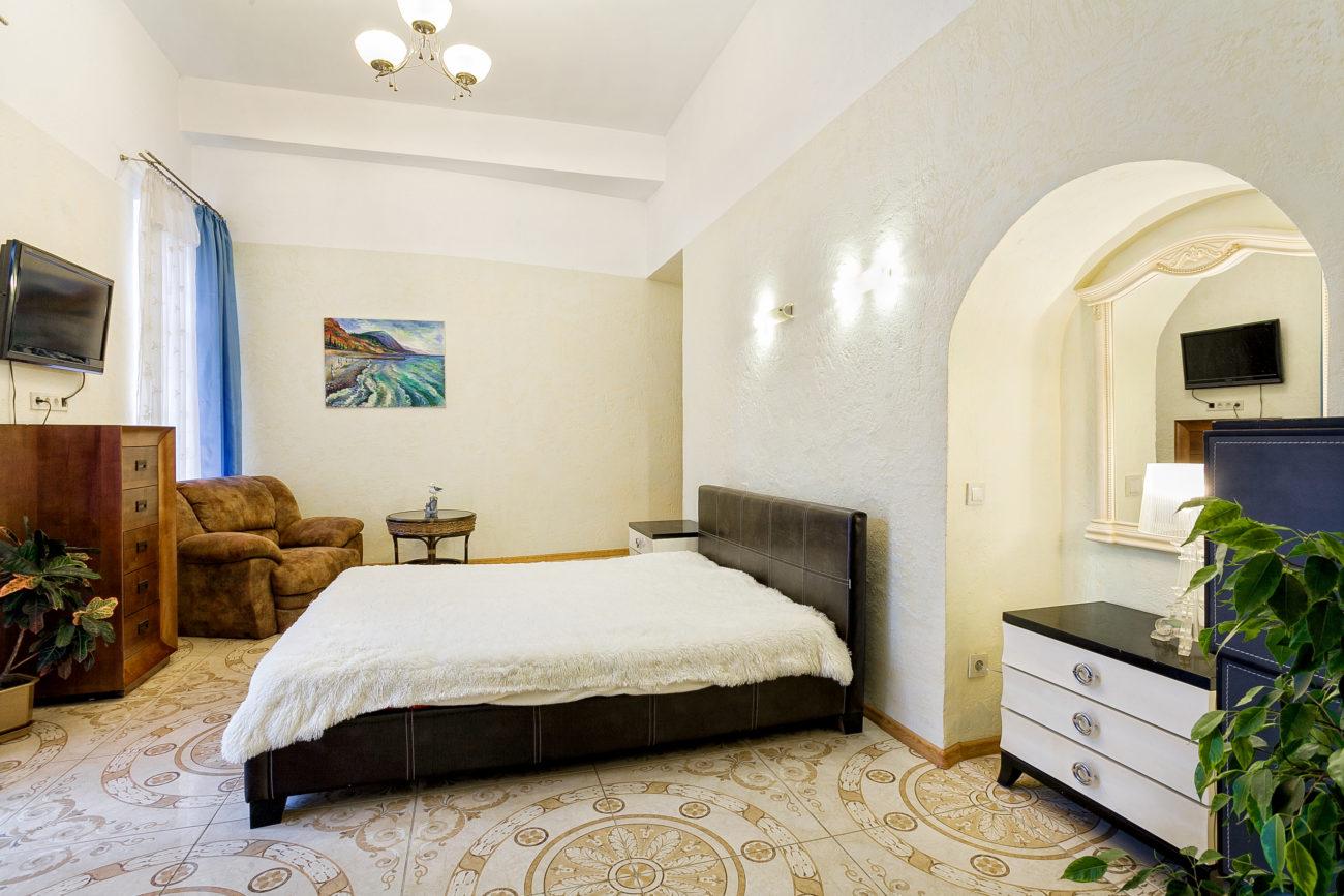 Апартаменты с одной спальней в Ялте